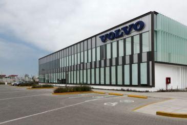 Susel Biondi, René Poggione, oficina Volvo