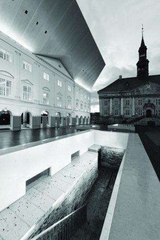 Siiri Vallner, Katrin Koov, Indrek Peil, Kavakava Architects, Facultad de Narva de la Universidad de Tartu, Narva, Estonia, 2006-2012