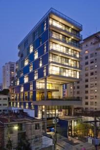Lua Nitsche, Pedro Nitsche, João Nitsche, Rafael Baravelli, Suzana Barboza; Edificio comercial João Moura-SP, Sao Paulo, Brasil, 2012.