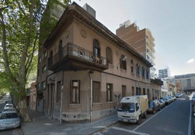 Julia Guarino; Edificio residencial en calle José Enrique Rodó, Cordón, Montevideo.