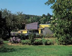 Isabel Herauld, Yves Arnod, Colegio Primaria, Lozzane, 2000.