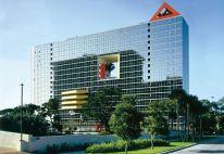 Laurinda Spear, Bernardo Fort-Brescia, Elizabeth Plater-Zyberk y Andrés Duany, The Atlantis Condominium, Miami, Florida, 8007
