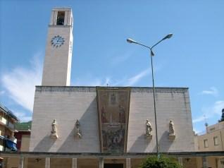 Detalle de la fachada de la iglesia de San Giovanni Bono, Recco, Liguria, Italia.