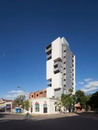 Griselda Bertoni, Eduardo Castelliti, Carlos Castelliti, José Ignacio Castelliti. Edificio Torre del molino, vista general. Ciudad de Santa Fe. 2011.