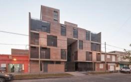 Griselda Bertoni, Eduardo Castelliti, Carlos Castelliti, José Ignacio Castelliti. Edificio Alameda, fachada. Ciudad Santa Fe. 2009.
