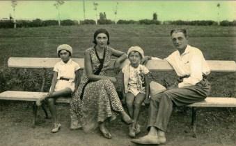 Silvia Păun junto a su familia