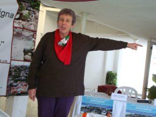 Ana Sugranyes en conferencia