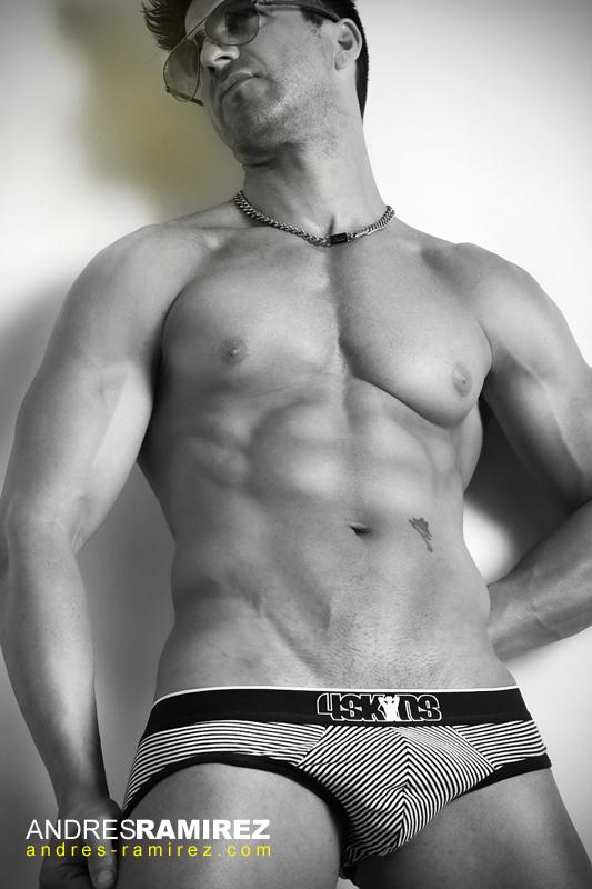 David Fillol 4skins Black and White