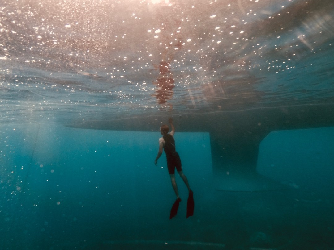 la quille de L'océanis 46.1 vu sous l'eau
