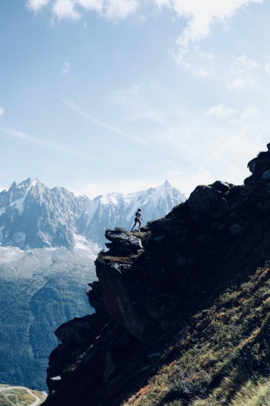 le spectacle des montagnes à chamonix face au mont blanc