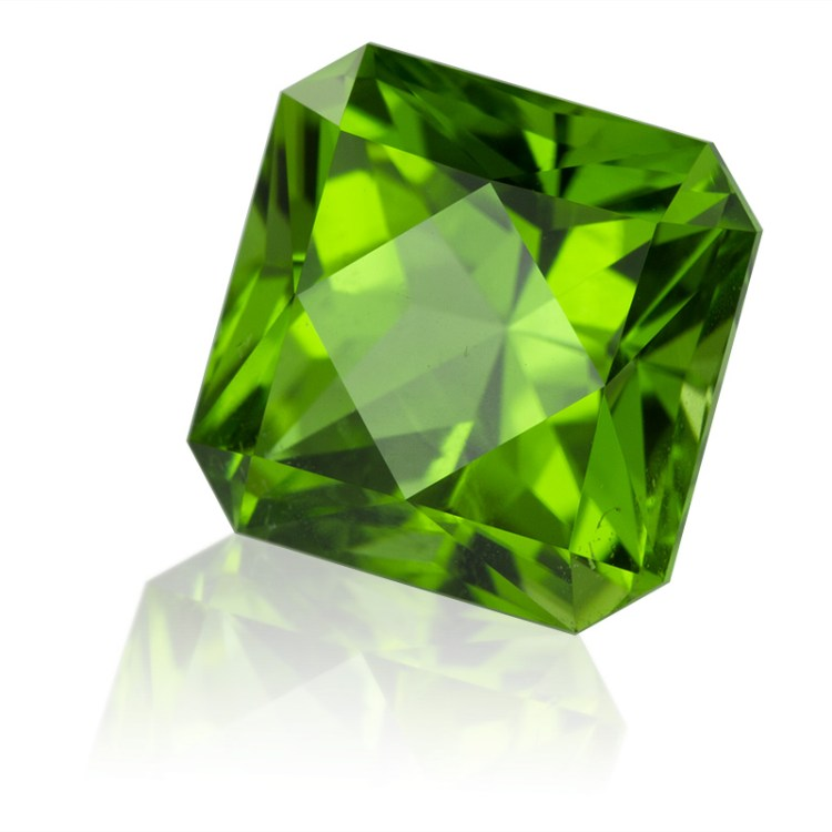 birthstone-august-square-cut-peridot