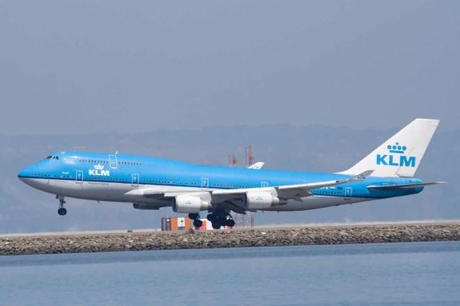 Boeing 747 à l'atterrissage