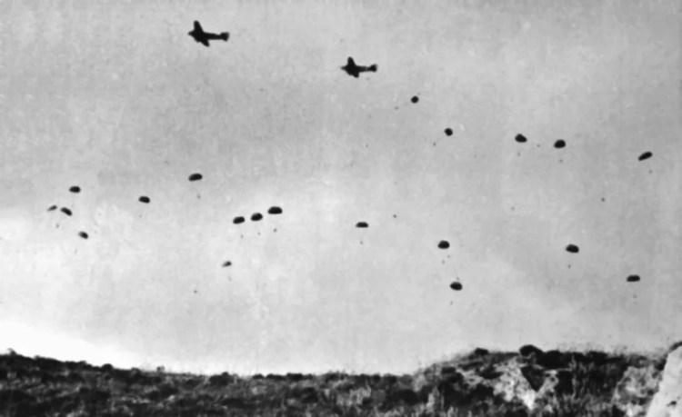 parachutistes allemands largués sur la crètre