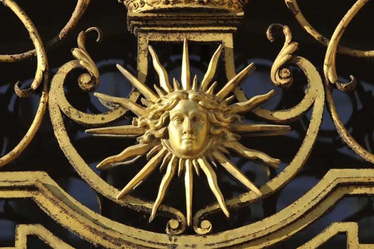 emblème roi soleil