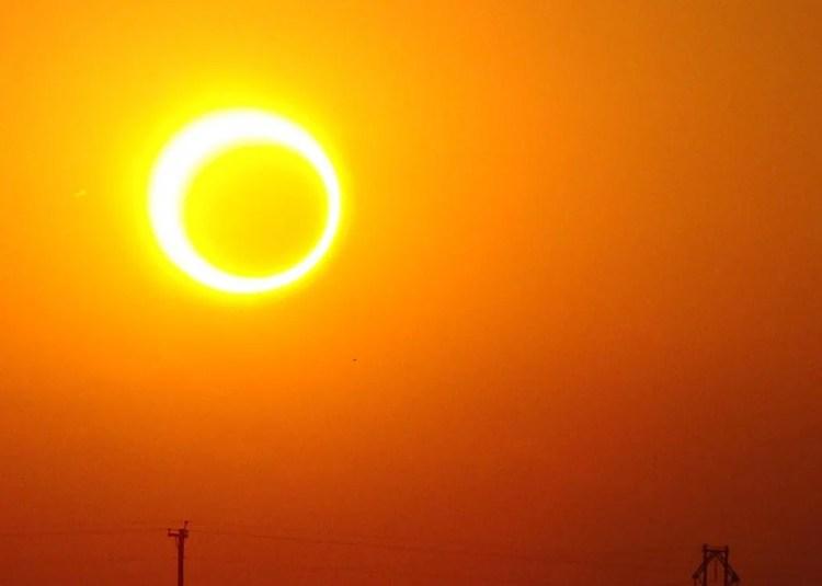 7238640418_cf97383d82_b_solar-eclipse