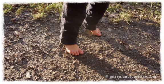 Promenade pied nus en hiver