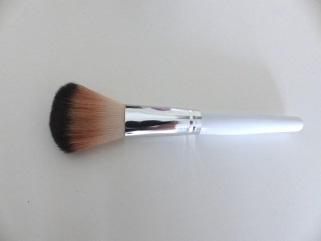 Pinceau make up sale - nettoyant pinceaux KIKO
