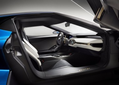 ford-gt-interieur