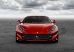 Ferrari 812 Superfast avant
