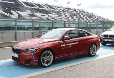 BMW M4 Magny Cours