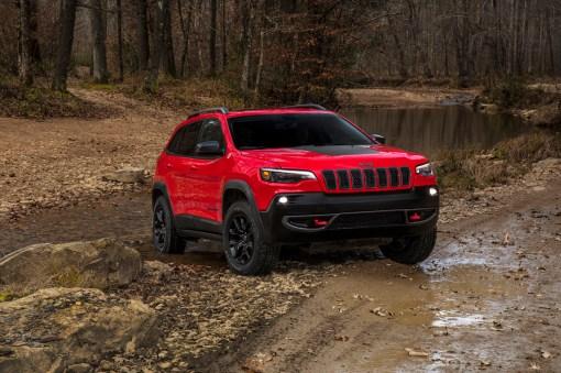 2019-jeep-cherokee-01