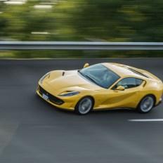 Ferrari 812 Superfast Mortefontaine circuit dynamique jaune