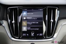 Volvo V60 écran tactile intérieur