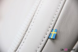Volvo V60 détail siège drapeau suédois