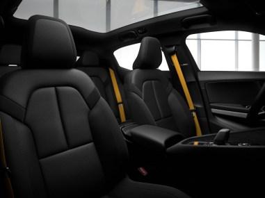 Polestar 2 intérieur sièges ceintures