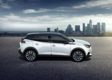 Peugeot 2008 2019 profil jantes SUV toit