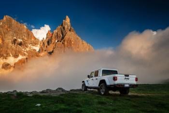 Jeep Gladiator 2019 arrière benne pick-up