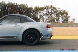 Essai Abarth 124 GT profil arrière jantes 17 pouces toit
