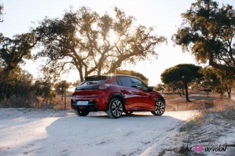 Essai Peugeot 208 2019 rouge élixir citadine arrière GT Line