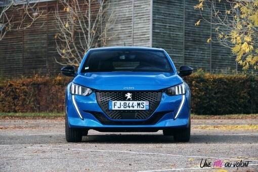 Comparatif Peugeot 208 0159 face avant