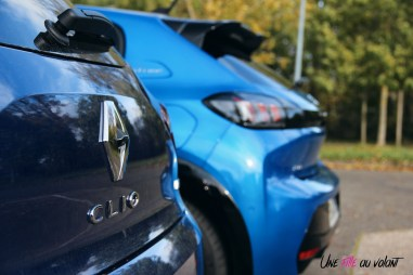 Comparatif Peugeot 208 Renault Clio 0153