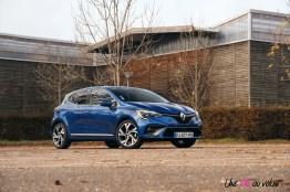 Comparatif Renault Clio 0175 citadine bleu profil