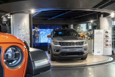 Exposition Jeep World Tour Motor Village Paris0219