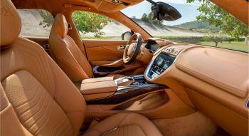 Aston Martin DBX 2019 intérieur cuir marron sièges