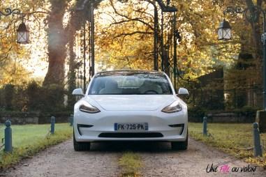 Essai Tesla Model 3 Performance 2019 face avant calandre feux