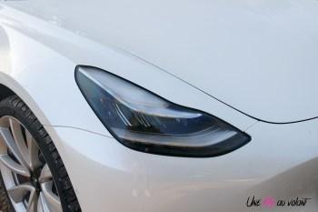 Essai Tesla Model 3 Performance 2019 feux optiques capot
