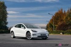 Essai Tesla Model 3 Performance 2019 berlines haut de gamme électrique blanc