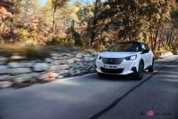 Photo essai sur route Peugeot e-2008 2 GT 2019