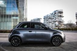Photos Fiat 500 électrique 2020 profil