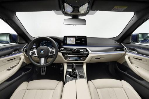 Photos BMW Serie 5 restylee 2020 interieur
