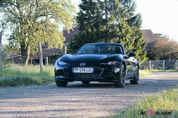 Photos Mazda MX-5 Eunos Edition 2020 noir jet black mica