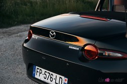 Photos Mazda MX-5 Eunos Edition 2020 feux arrire coffre