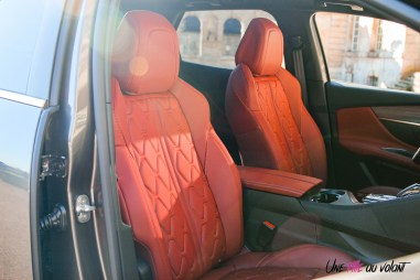 Photo sièges cuir rouge Peugeot 3008 restylée
