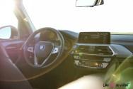 Photo poste de conduite BMW iX3 électrique 2020
