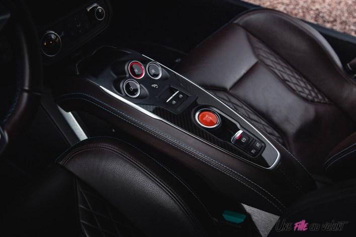 Photo console centrale Alpine A110 Legende 2021