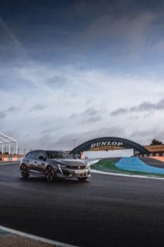 Photo face avant statique Peugeot 508 PSE 2021 portrait
